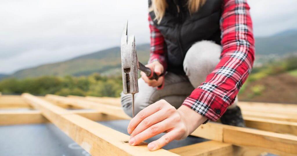 women roofing contractors